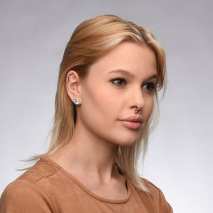 Piercing de oreja Acero quirúrgico Latón con revestimiento de plata Cristal Circonita Corazón Amor