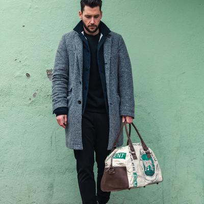 Model picture of bag05
