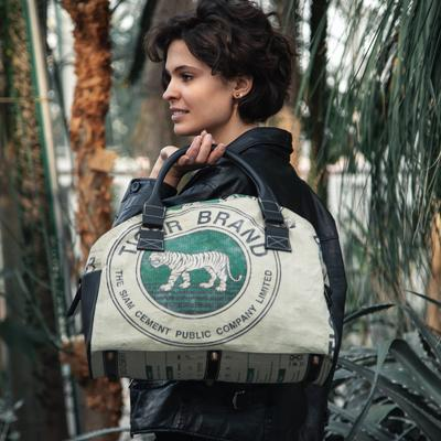 Model picture of bag08