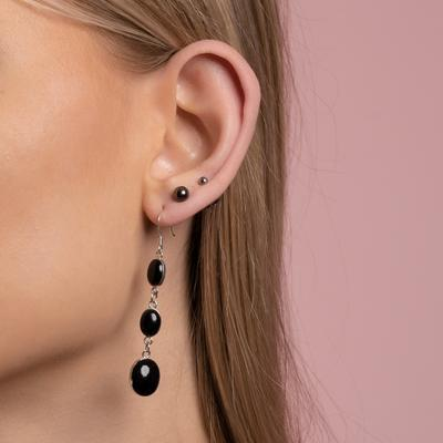 Model picture of ear616