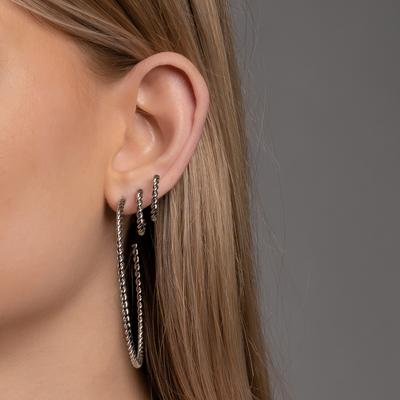 Model picture of ear733