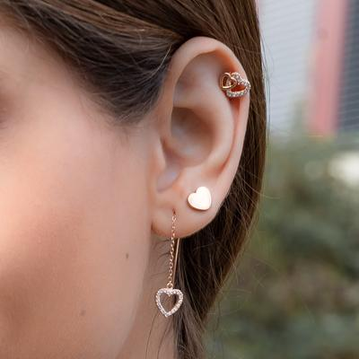 Model picture of ear654