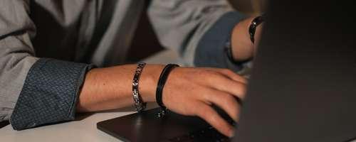 Banner Armbänder